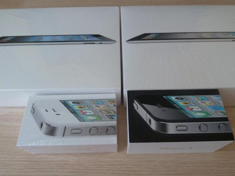 Коробки iPad and iPhone