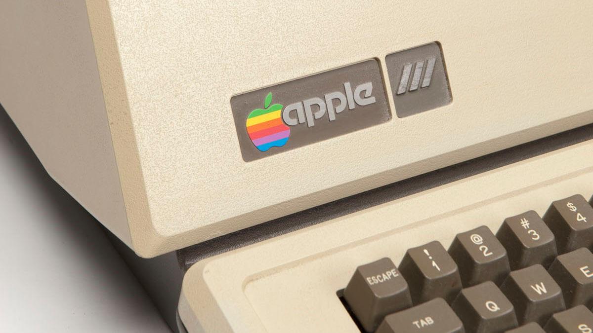 apple_III_02_full