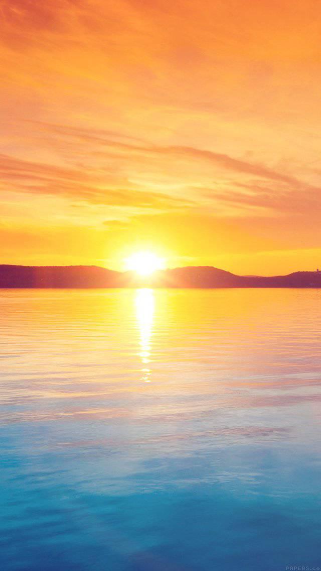 night-lake-water-sky-orange-flare-iphone-5
