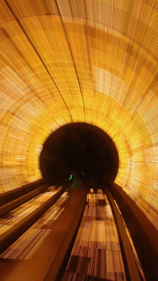 tunnel-light-orange-city-drive-car-iphone-5