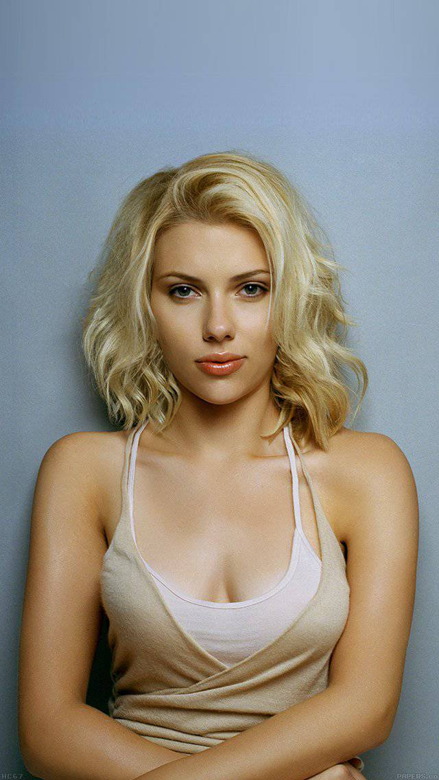 scarlett-johansson-sexy-dress-actress-iphone-5