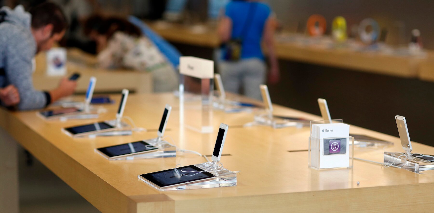 Продажи iPhone