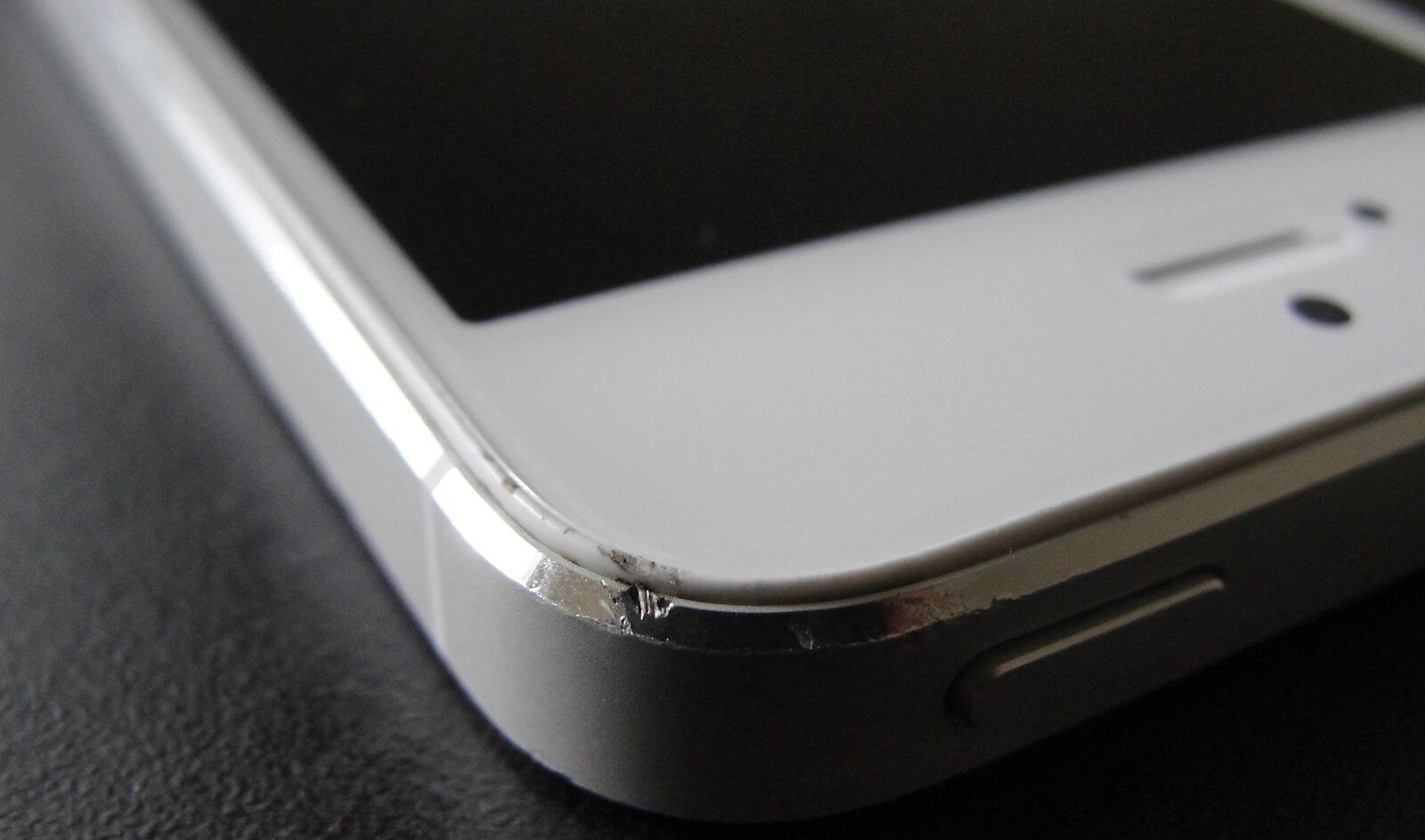 Вмятина на iPhone