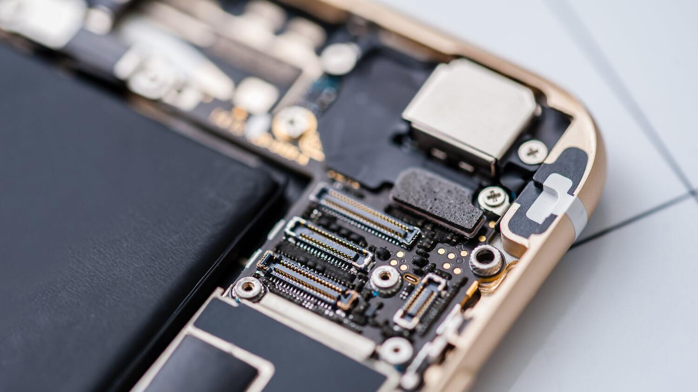 iPhone внутри