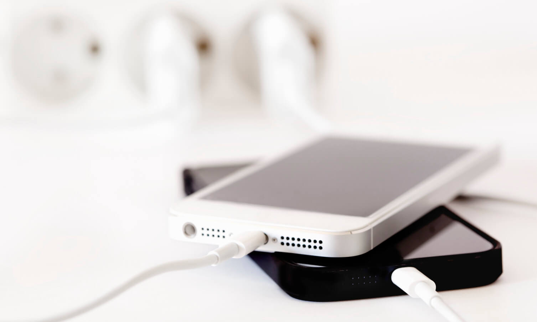 Заряжаю iPhone