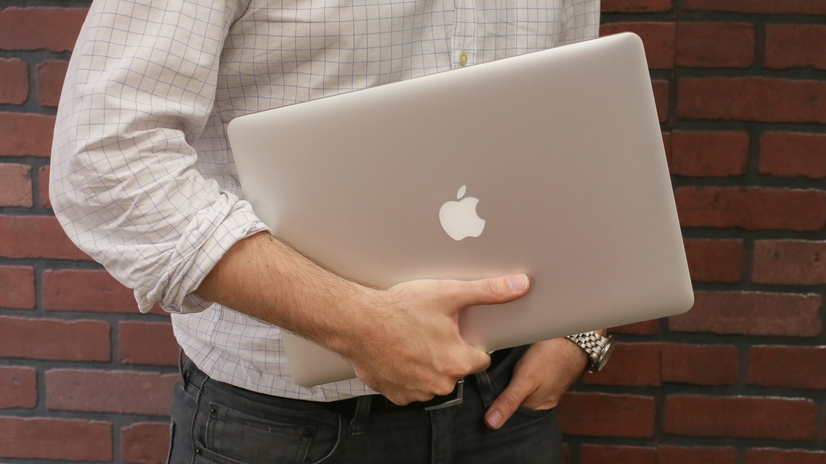 apple-macbook-pro-retina-15