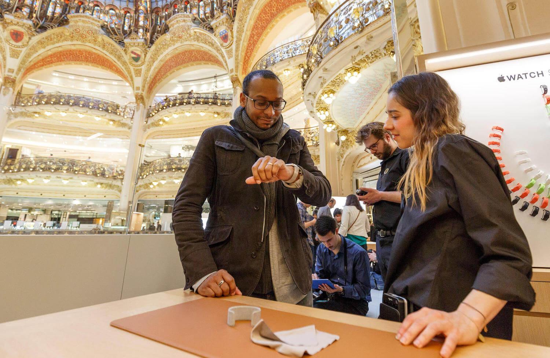 Apple в Galeries Lafayette