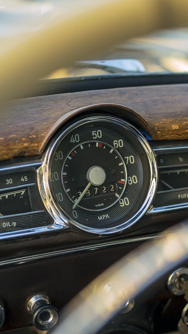 seat-car-vintage-bokeh-iphone-5