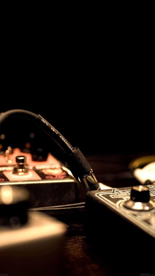 tuning-gamps-dj-music-dark-iphone-5