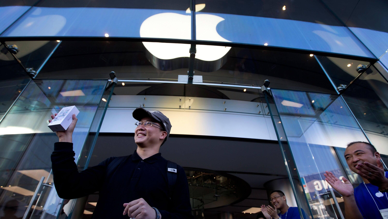 iPhone стал лидером по онлайн-продажам не только в России