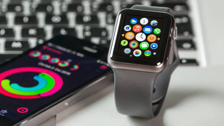 Цена Apple Watch в России упала ниже 16 тысяч рублей