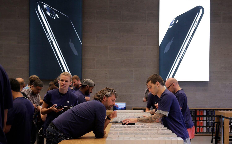 Продажи iPhone сократятся в этом году?