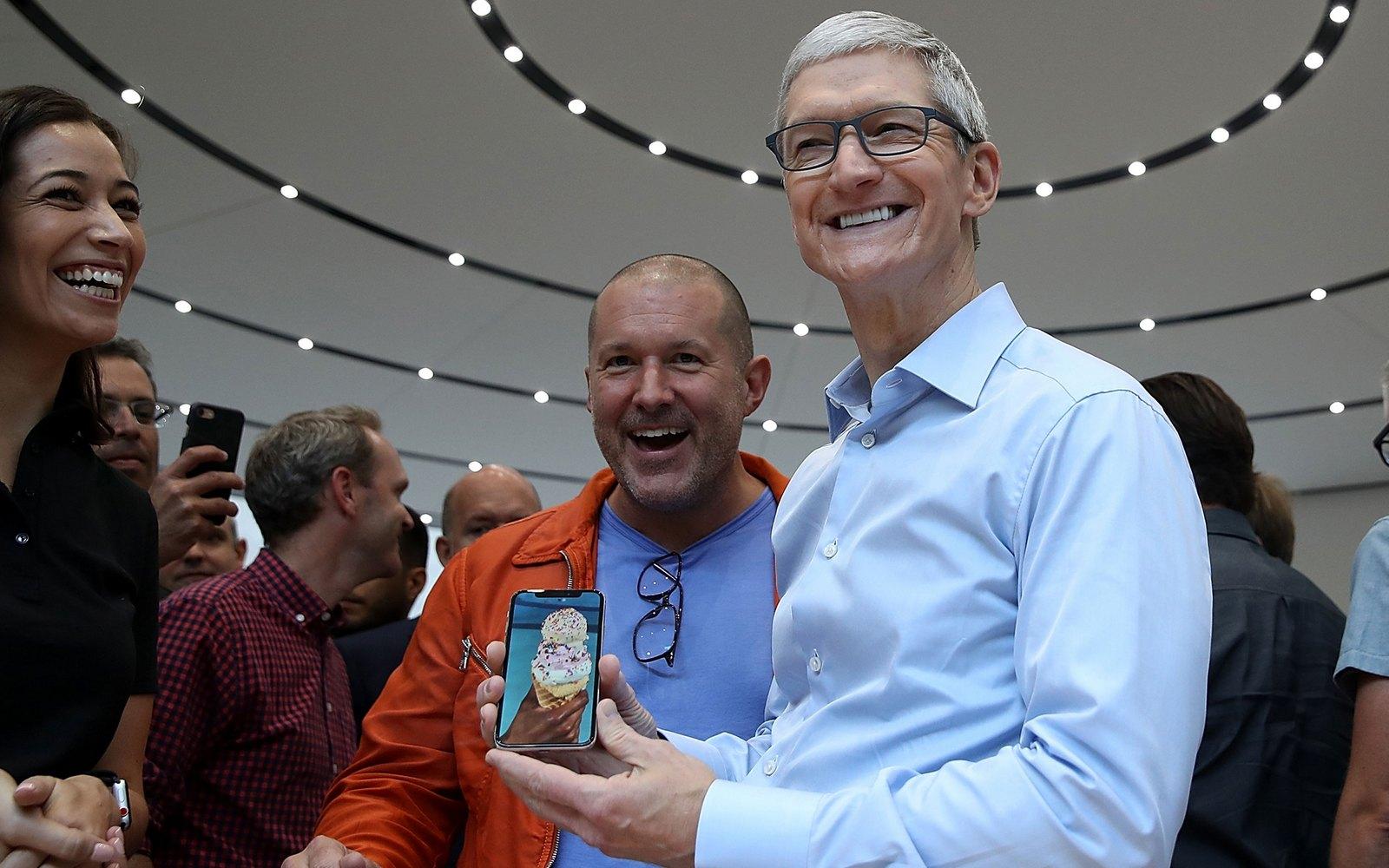 Перекупщики из России уже начали предлагать iPhone X