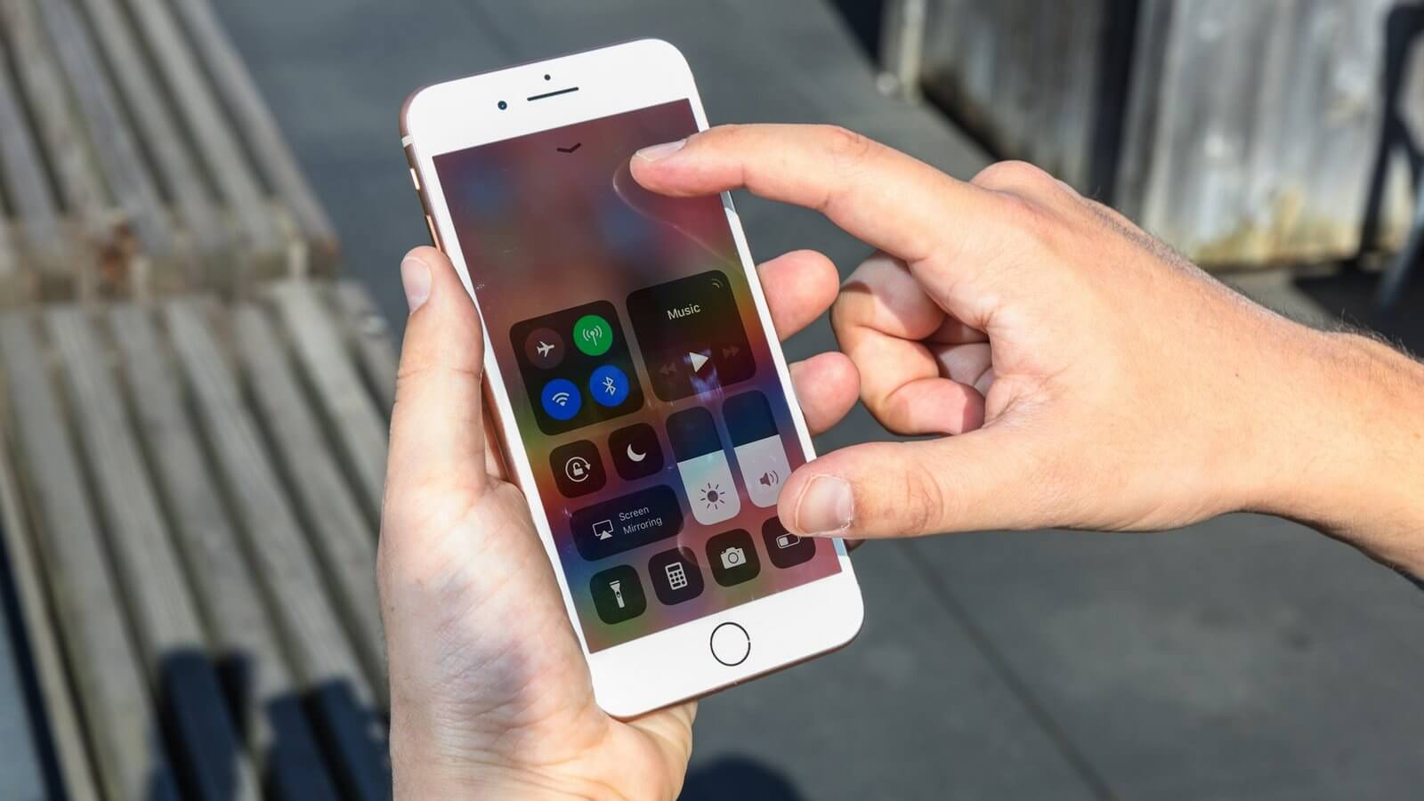 Потребители попросили ФАС проверить российские цены на iPhone 8