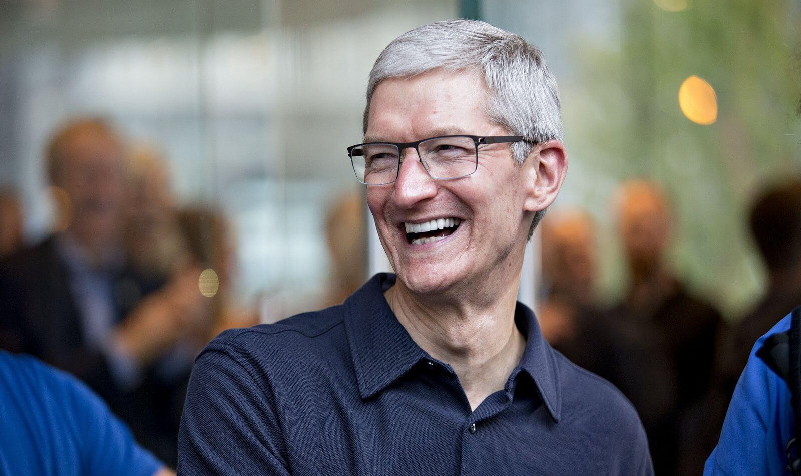 Тим Кук рассказал, как правильно экономить, чтобы купить iPhone X