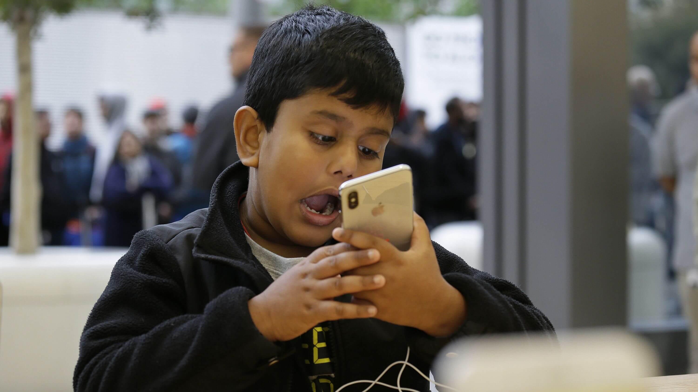 Apple рассказала о безопасности Face ID и Apple Pay Cash