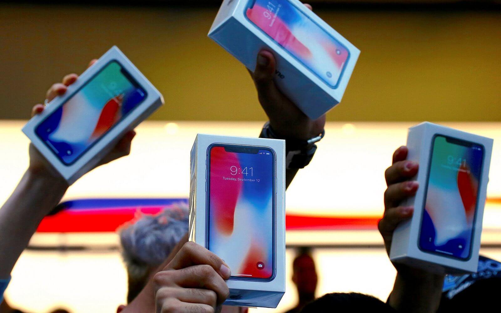 ФАС намерена проверить российские цены на iPhone X