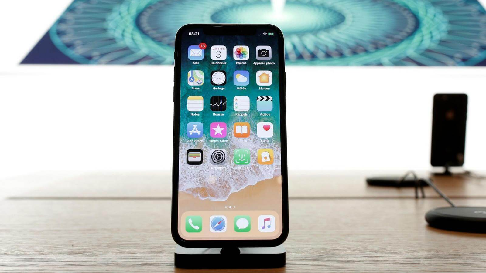 Как iPhone X повлиял на продажи остальных смартфонов Apple