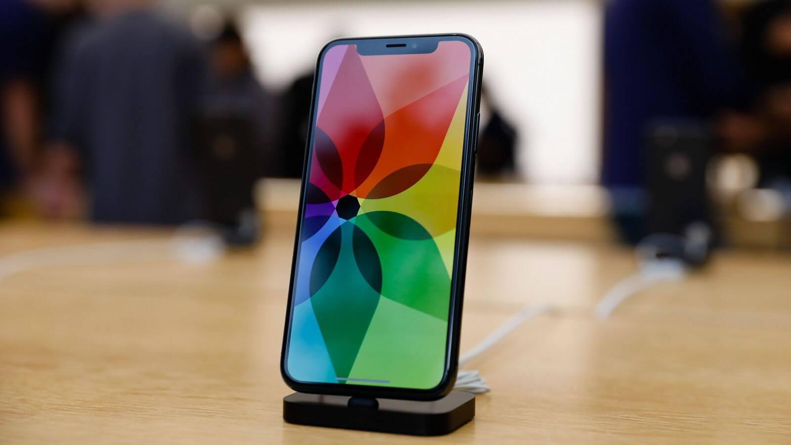 Продажи новых iPhone в России бьют все рекорды