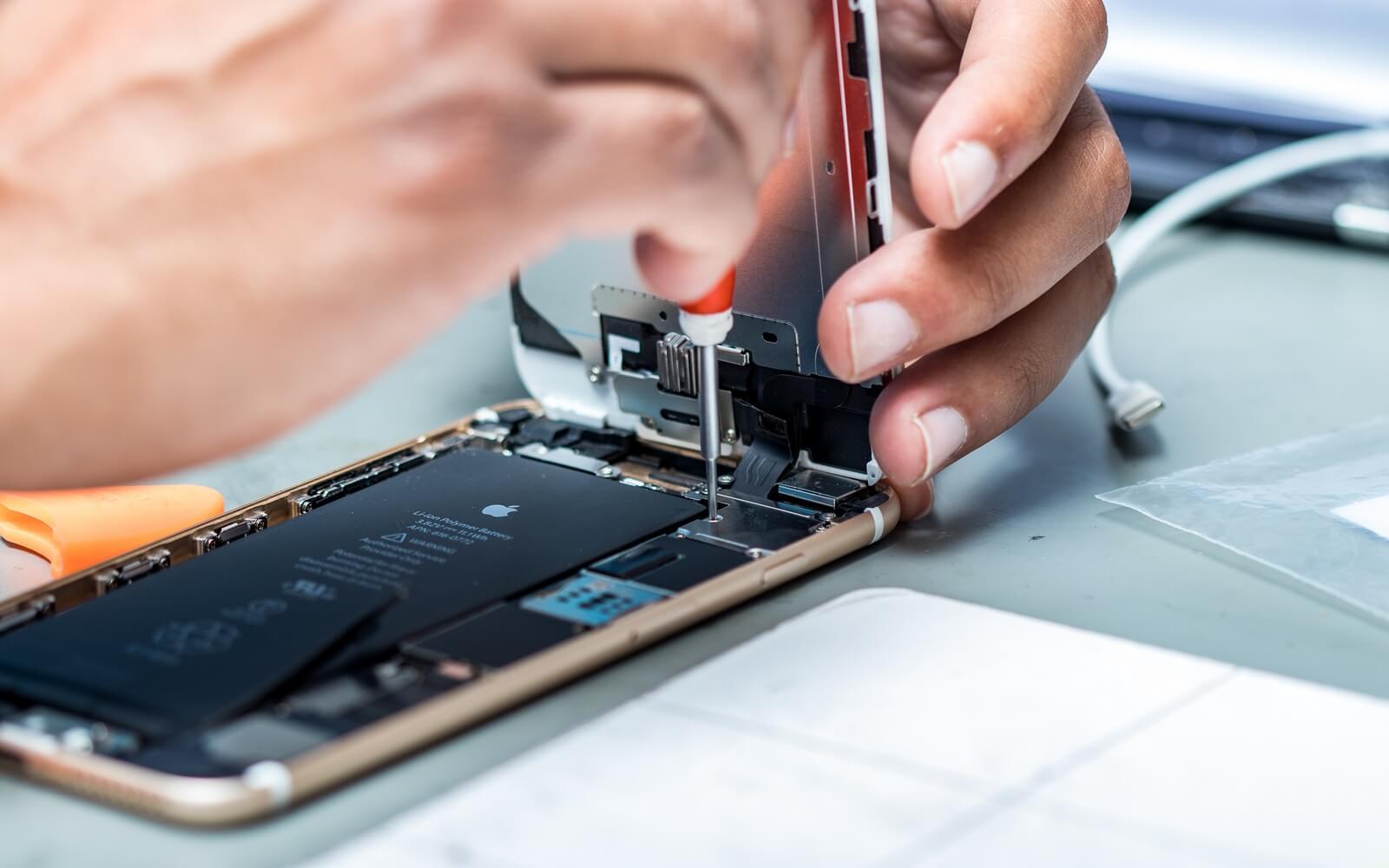 «Убитая» батарея замедляет работу iPhone?