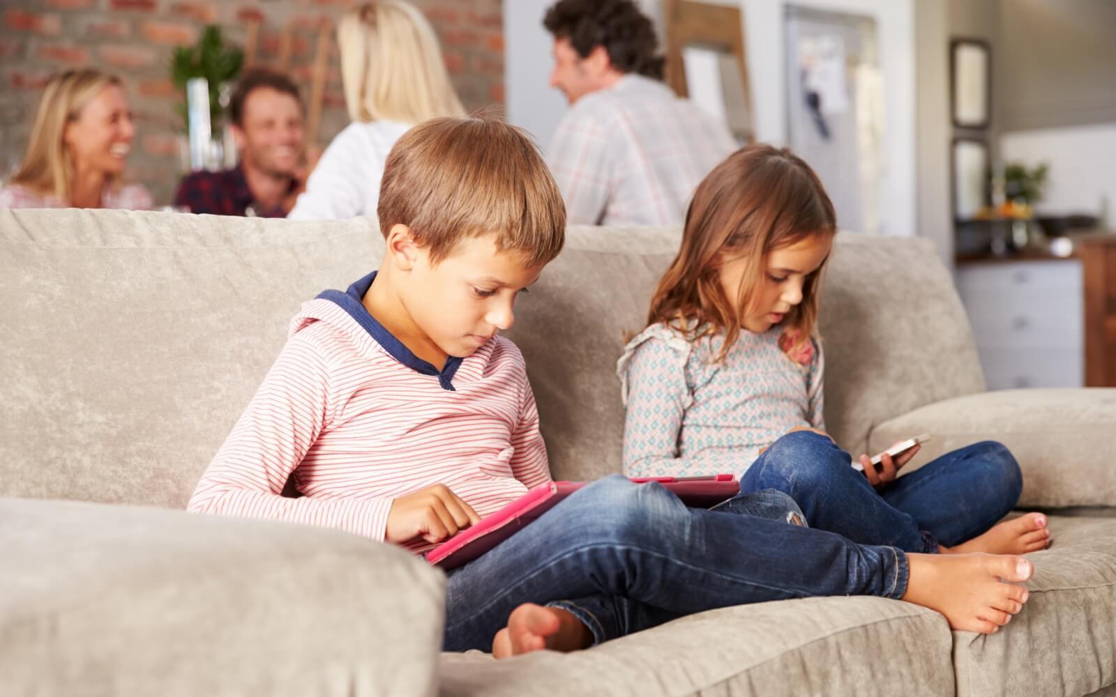 Инвесторы просят Apple усовершенствовать режим родительского контроля