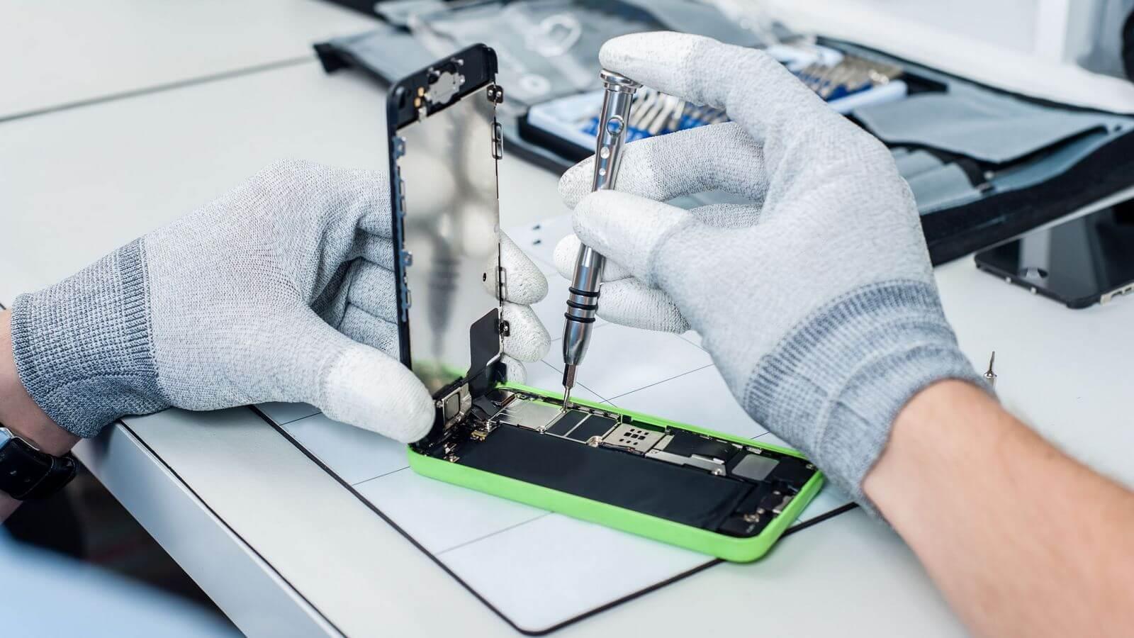 Apple ограничит участие в программе льготной замены аккумуляторов