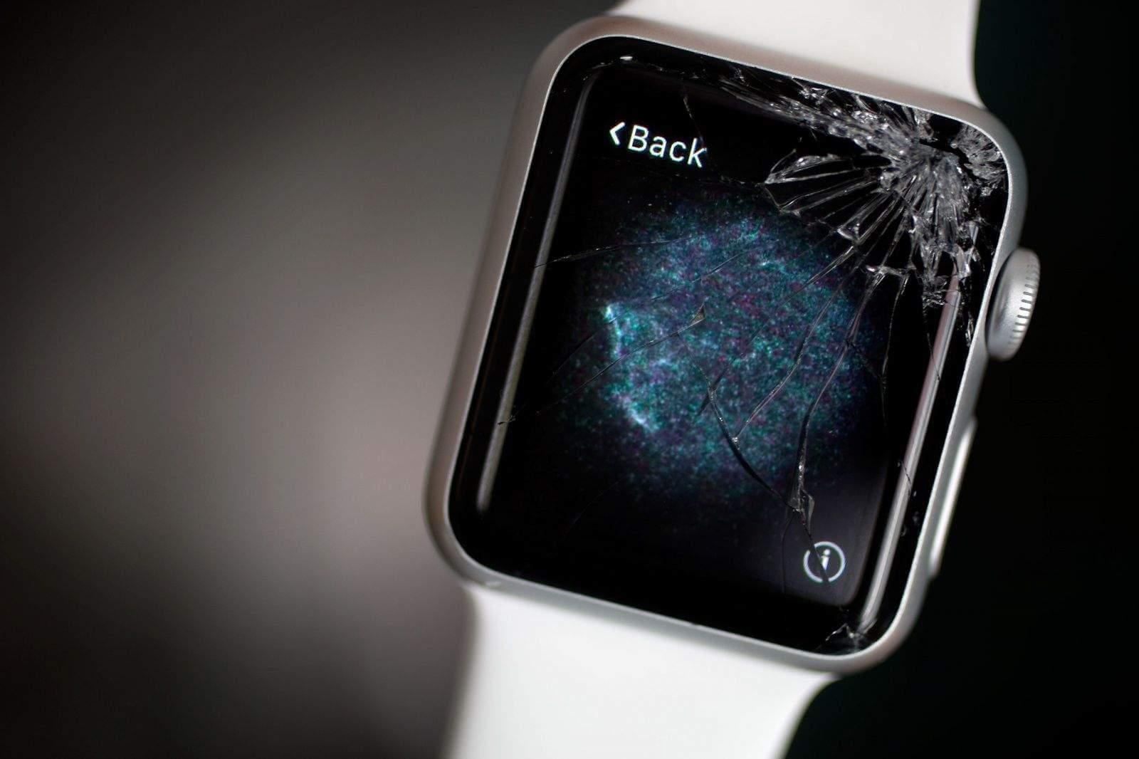 Apple Watch: отдать в ремонт или купить новые?