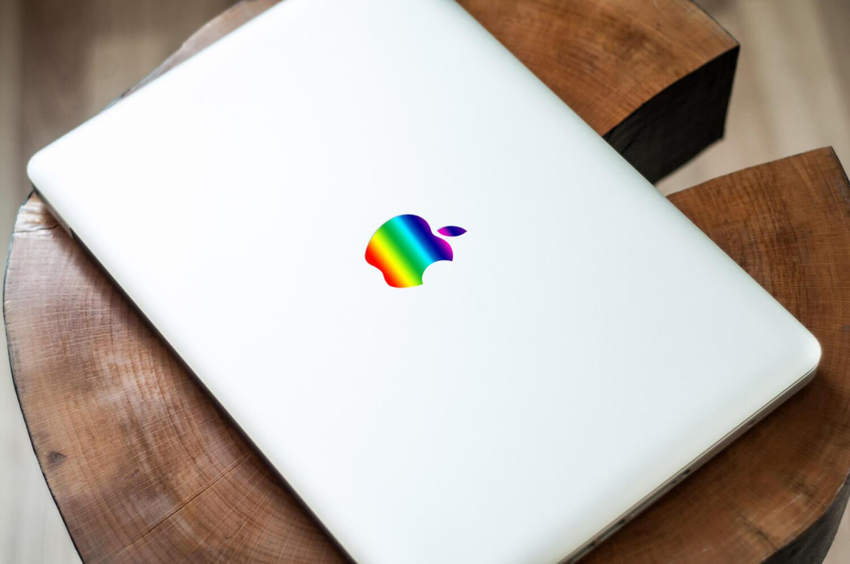 Apple снова регистрирует разноцветный логотип