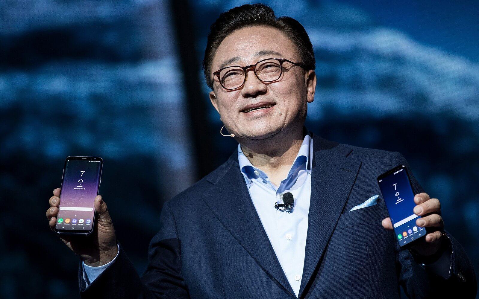 Глава Samsung Mobile: Мы не копировали идеи Apple