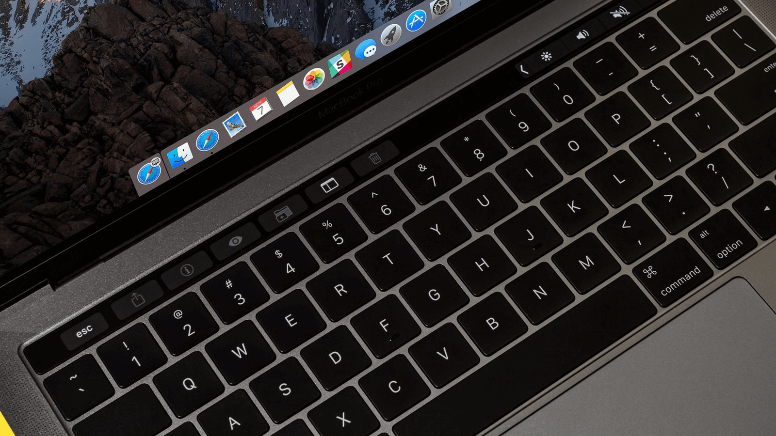 Apple изобрела клавиатуру, которой не страшны крошки