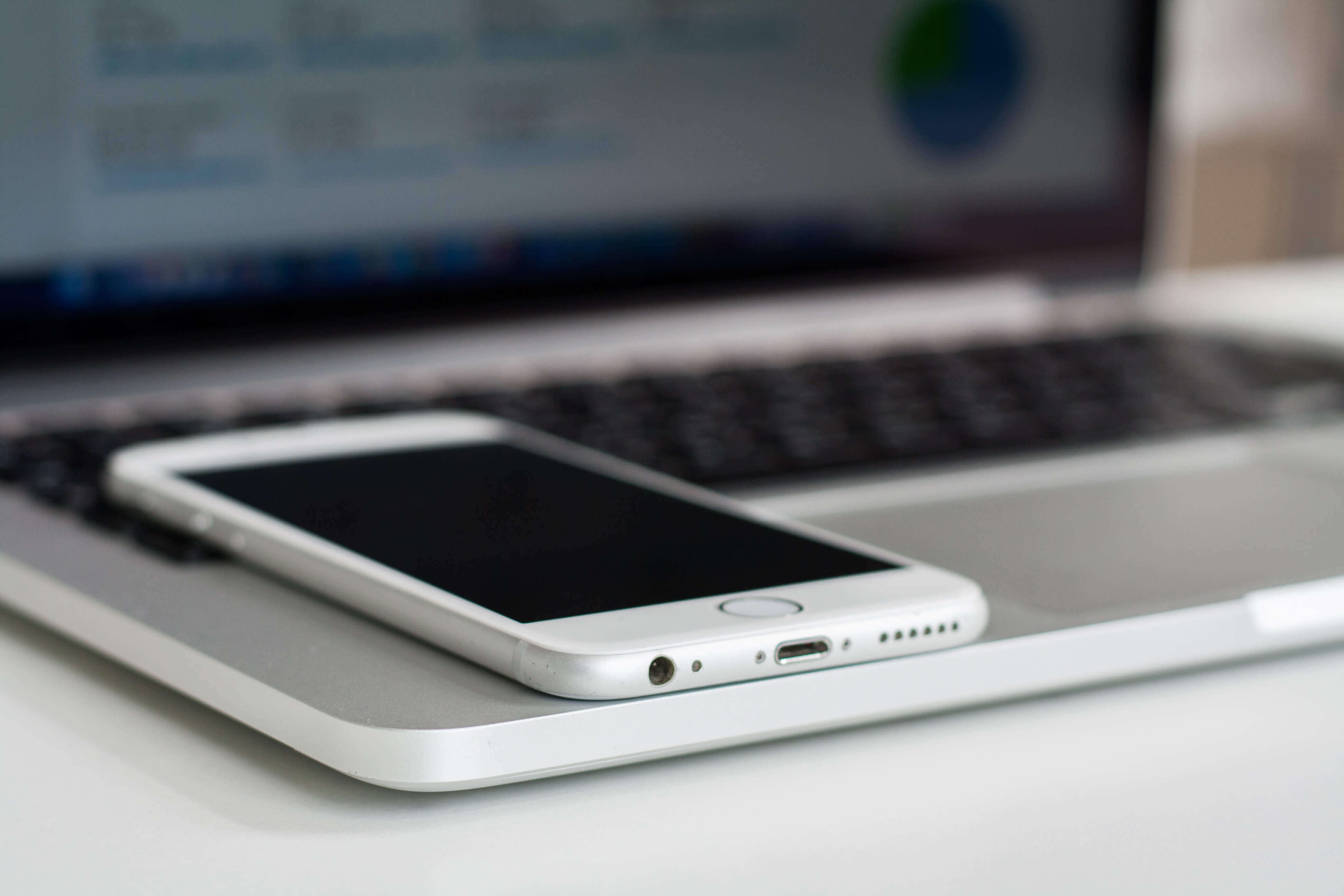 Как создавать резервную копию iPhone без iTunes и проводов