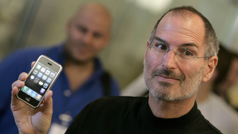 Экс-дизайнер Apple показал нереализованный проект клавиатуры iPhone
