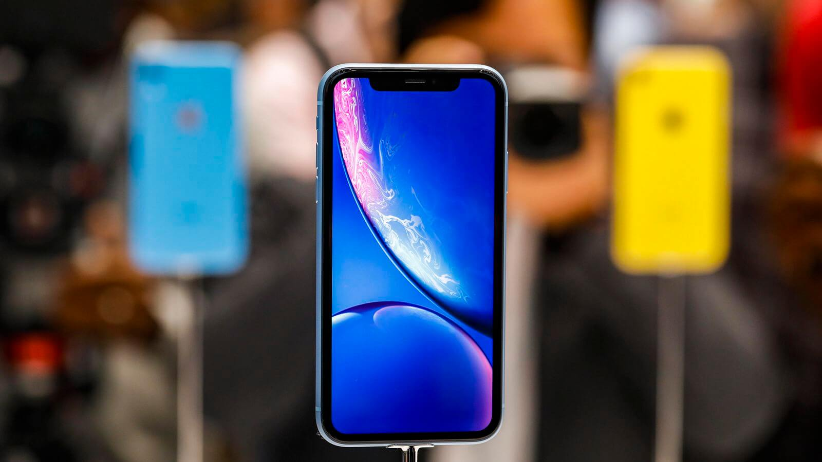 Что делать, когда новый iPhone стоит больше 100 тысяч рублей?