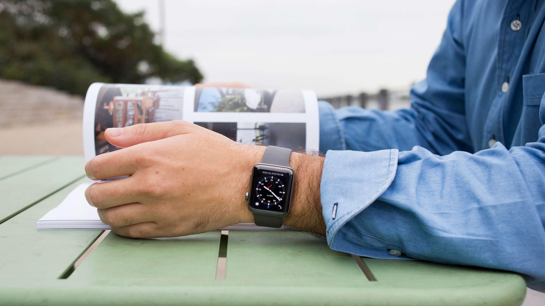 Apple Watch помогут в реабилитации пациентам с заменой суставов