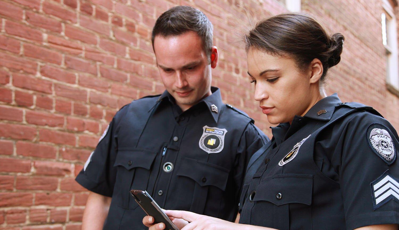 На что идут полицейские, чтобы разблокировать iPhone преступников