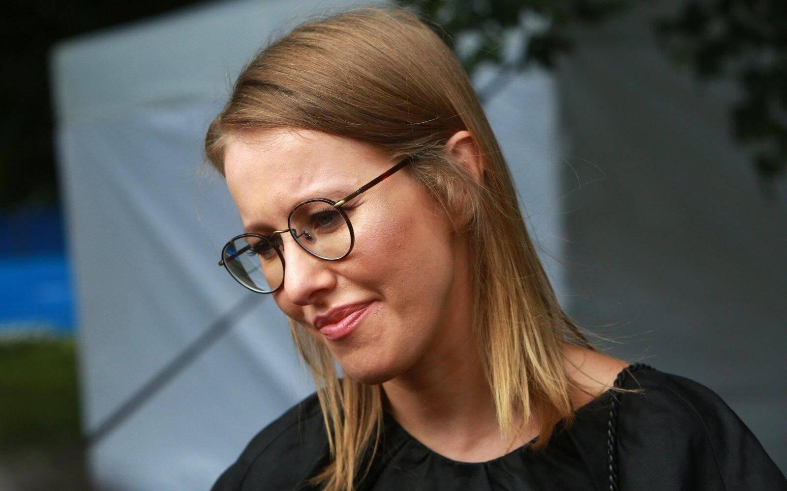 Ксения Собчак может заплатить 100 миллионов рублей за свою любовь к iPhone