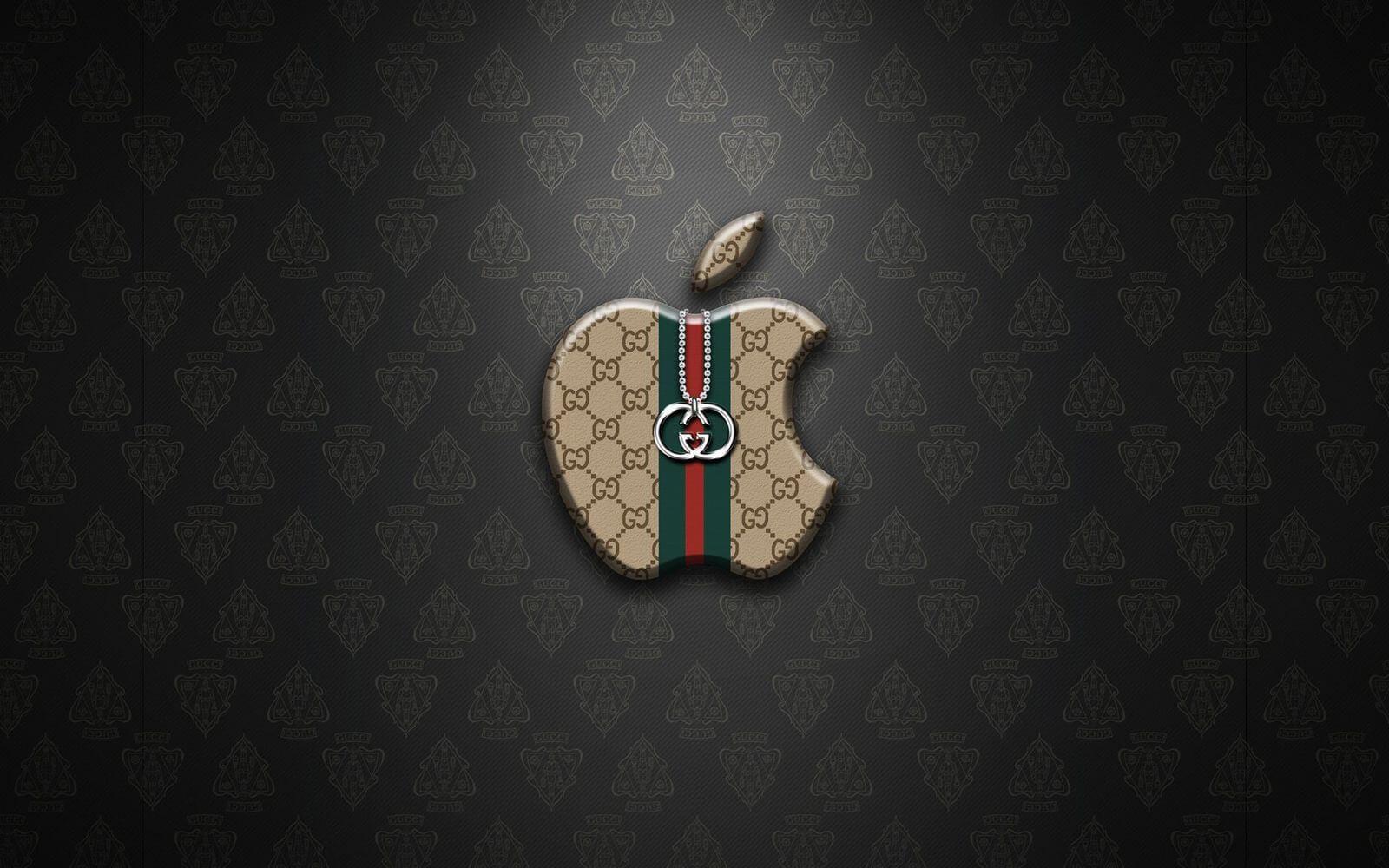 Yves Saint Laurent и Gucci обратились к Apple за помощью