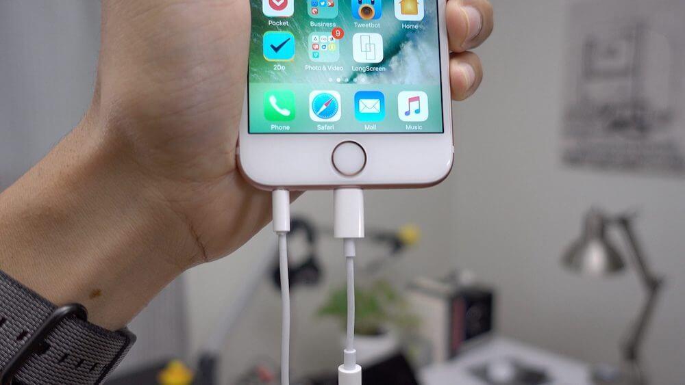 Как поменять наушники, кабели и блоки питания Apple по гарантии