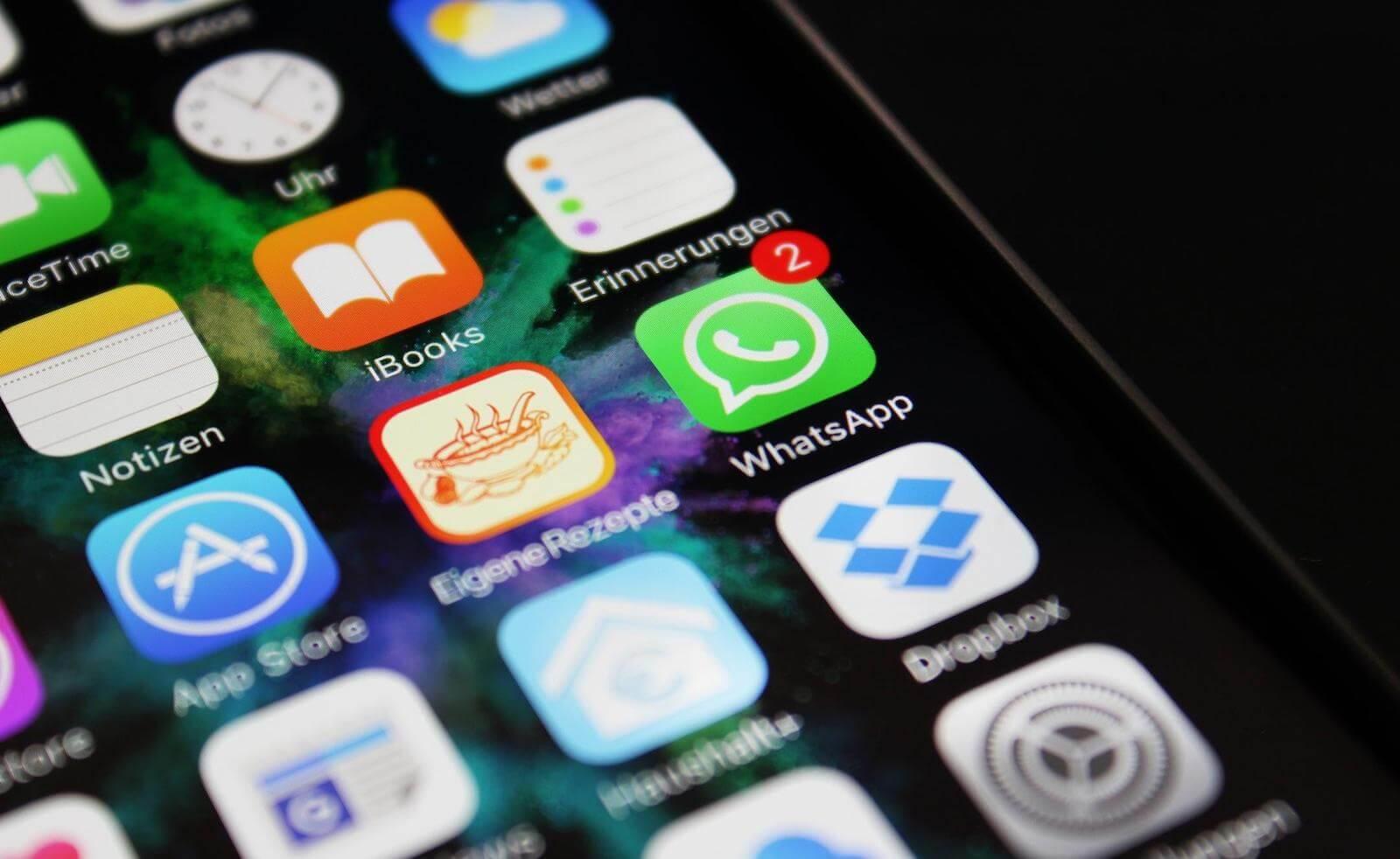 Баг в WhatsApp для iOS позволяет обойти защиту Touch ID и Face ID