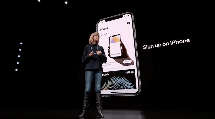 Первые пользователи в восторге от Apple Card