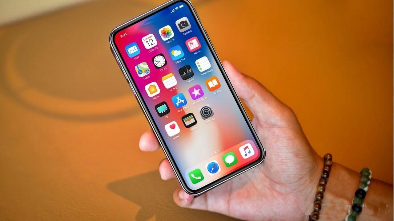 Apple разрабатывает iPhone без выреза в дисплее