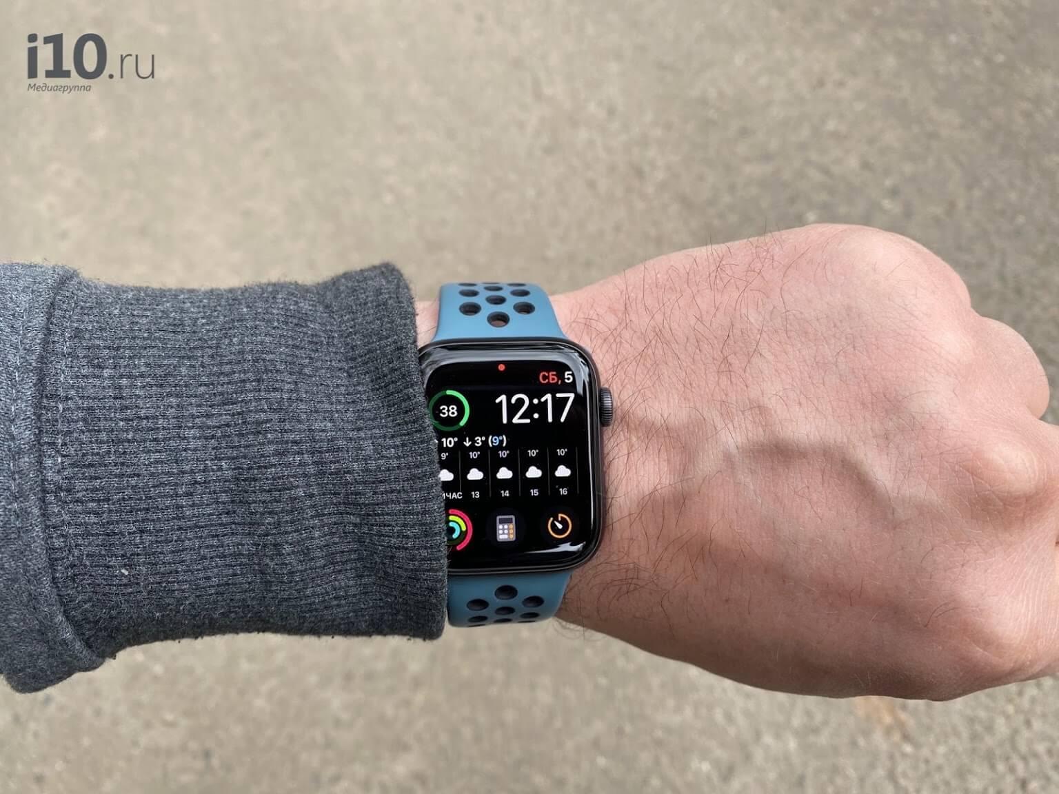 Каждый второй покупатель выбирает Apple Watch. Но Samsung не отступает