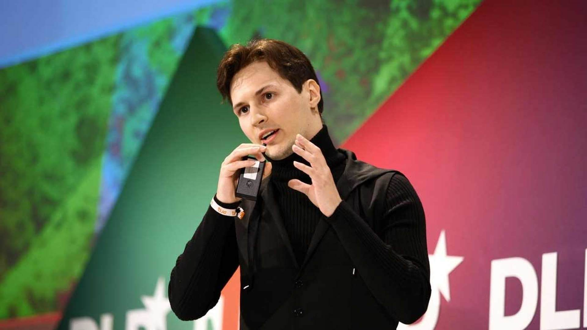 Павел Дуров объяснил, почему категорически нельзя пользоваться WhatsApp
